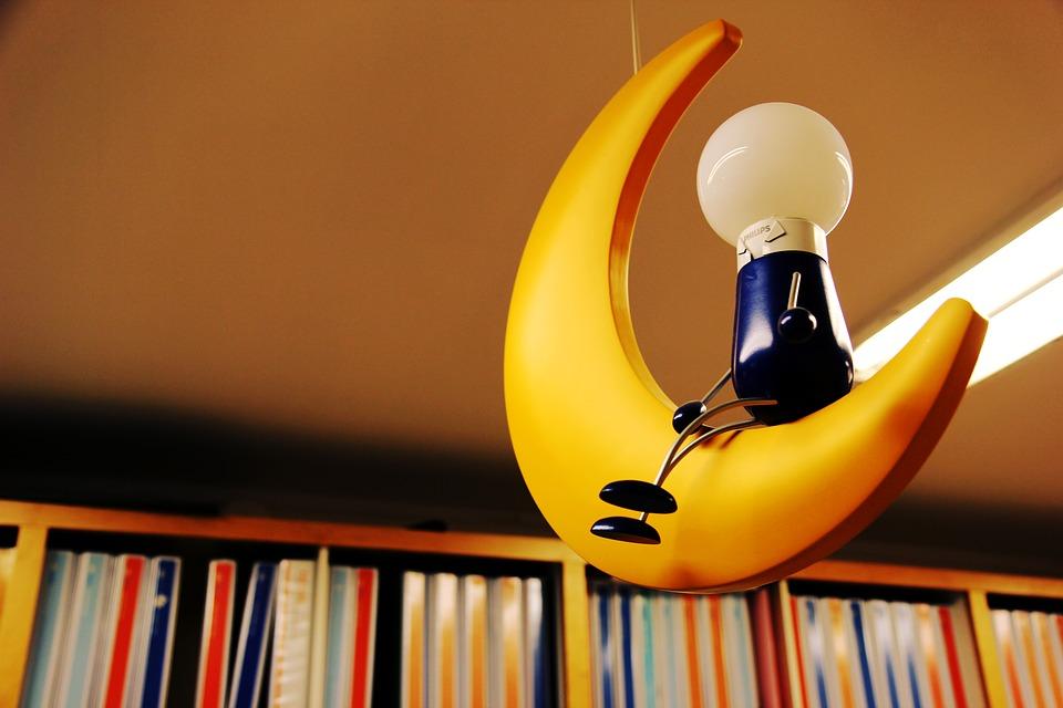 žiarovka, knihy