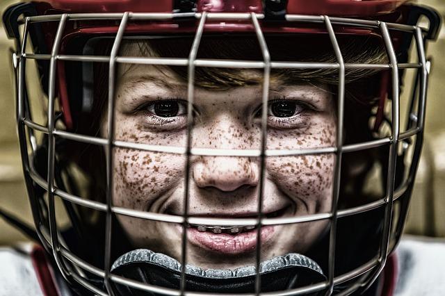 malý chlapec hokejista