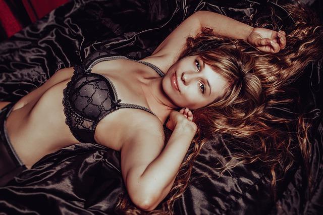 in-lingerie-2969981_640